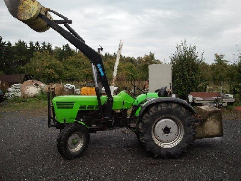 deutz fahr 6206 mit frontlader kompakt traktor haszn lt. Black Bedroom Furniture Sets. Home Design Ideas