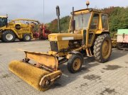 David Brown  990 med kost Traktor